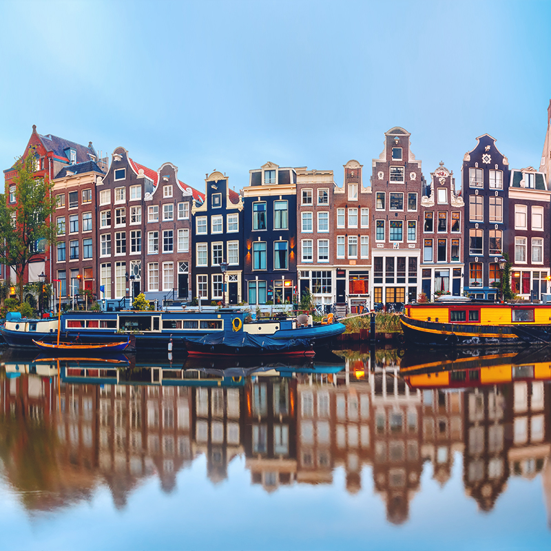KLM RESUMES AMSTERDAM ROUTE